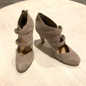BELLA-VITA leather/ suede heels, 9.5